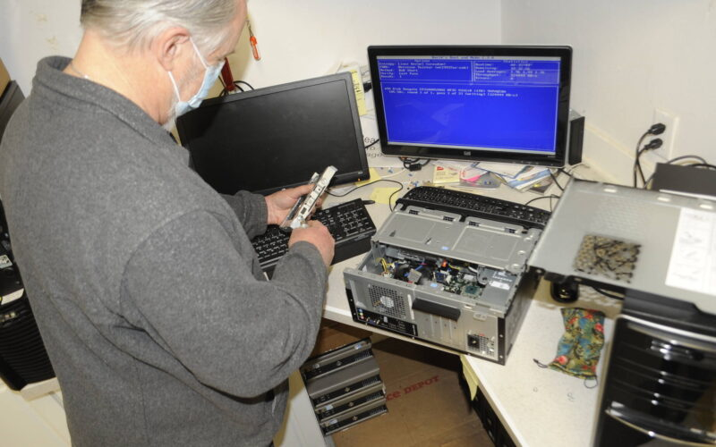 Personal computer group seeks those who need the technology
